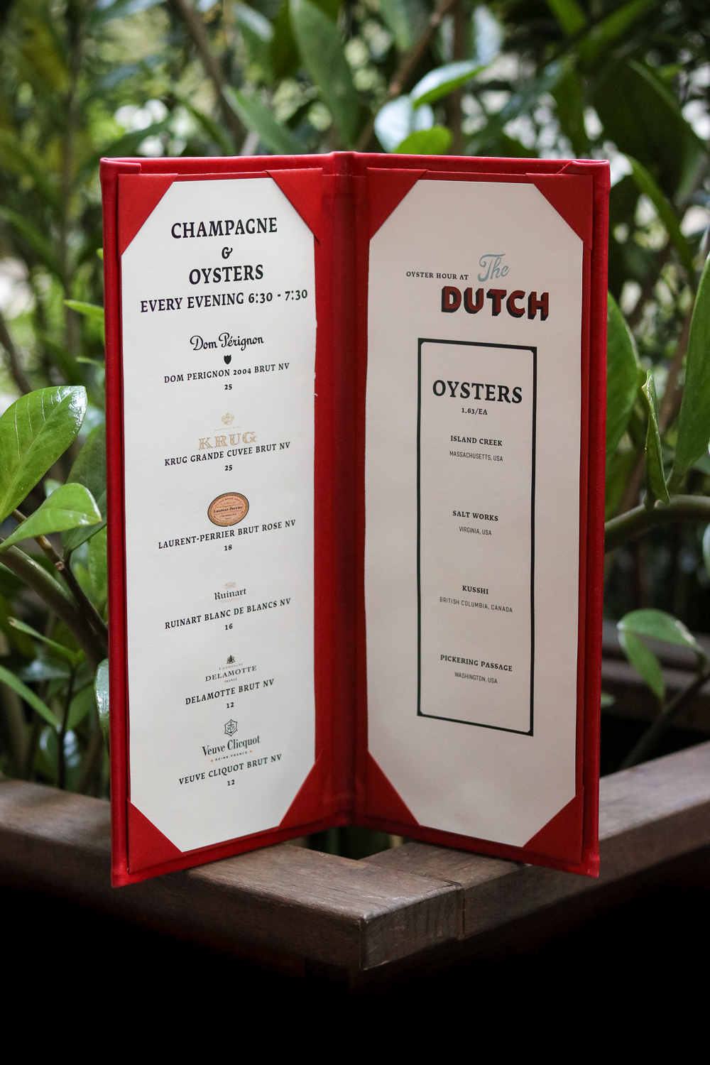 Carmellini\'s The Dutch Does Champagne and Oyster Happy Hour
